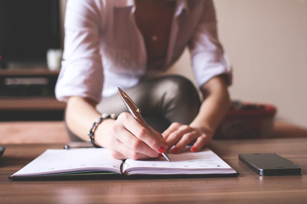 Aplicar el pensamiento sistémico para resolver problemas en negocios