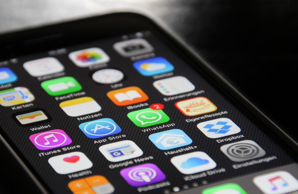 SMS y Whatsapp