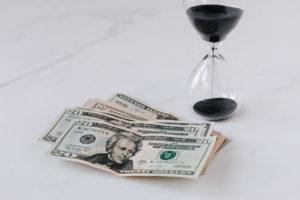 ¿Cómo evitar la devaluación de tu dinero?