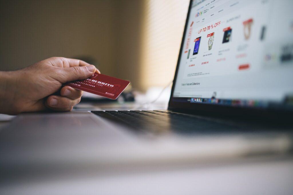 Comercio electrónico y débito se fortalecen en América Latina y el Caribe