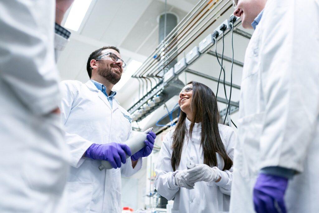 Digitalización en industria química aumentaría 30% la producción