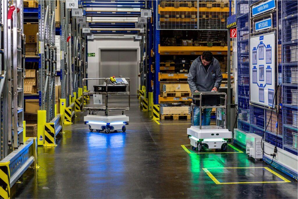 Robots de almacén: aportaciones al sector logístico