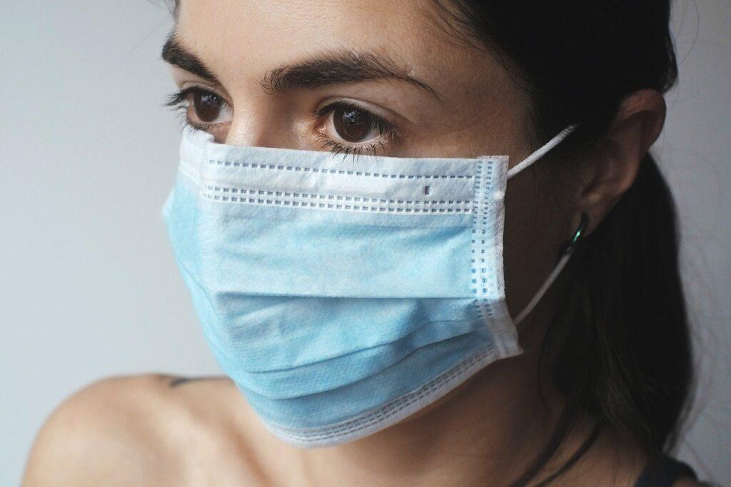 Pico respiratorio aumentaría casos de COVID-19 señala experto
