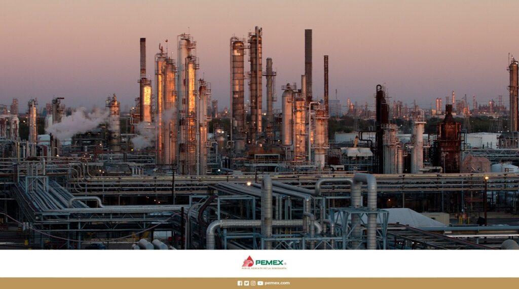 Petróleos Mexicanos adquiere refinería Deer Park de Houston